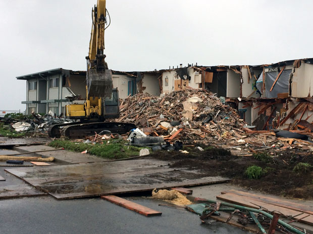 320 Esplanade was torn down on March 12, 2016.